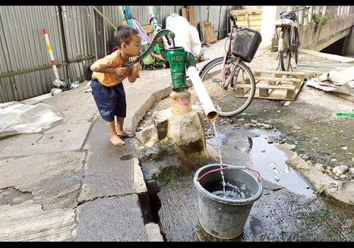Public questions transparency in Jakarta's tap water service takeover